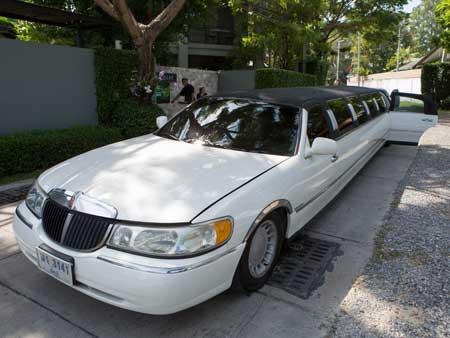 limousine in bangkok