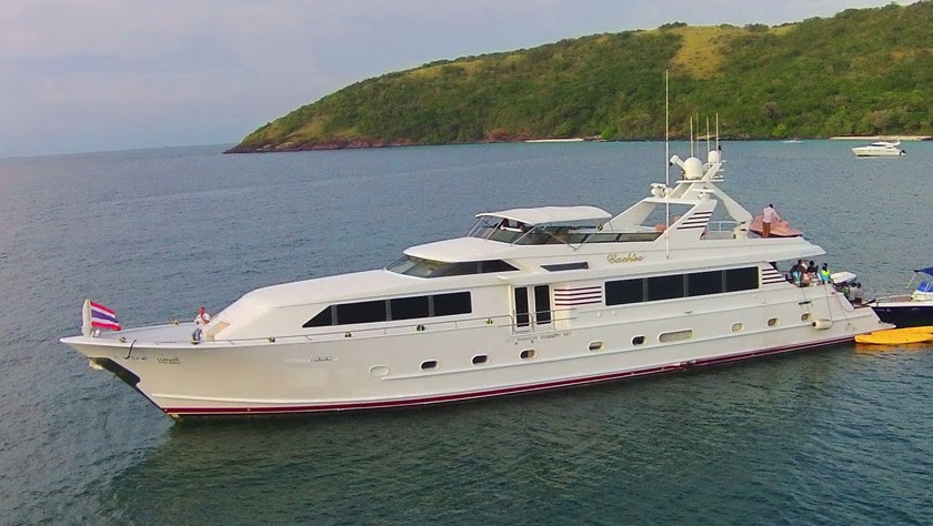 luxury yacht party pattaya