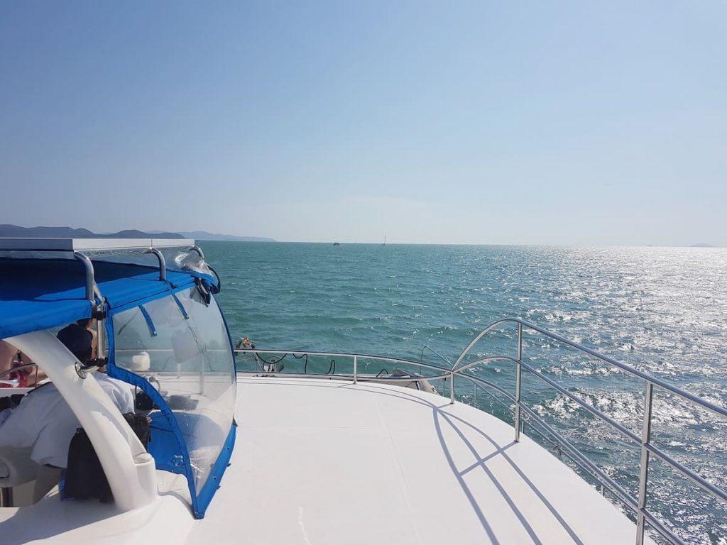 private yacht cruise bachelor pattaya