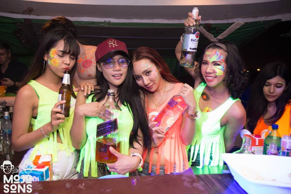 thai models bottles bangkok