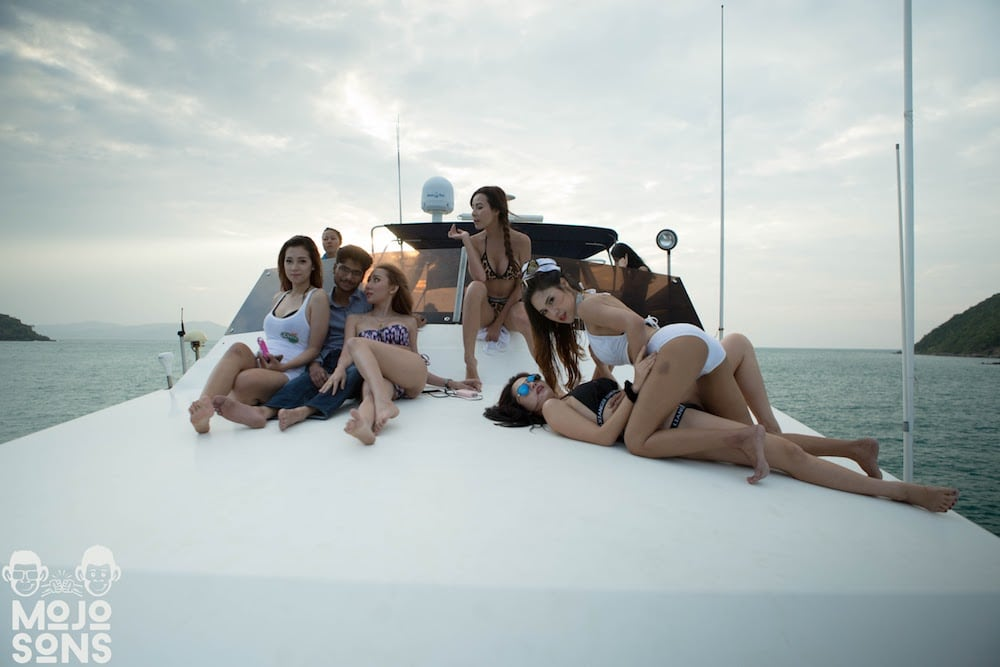 yacht party pattaya bikini girls