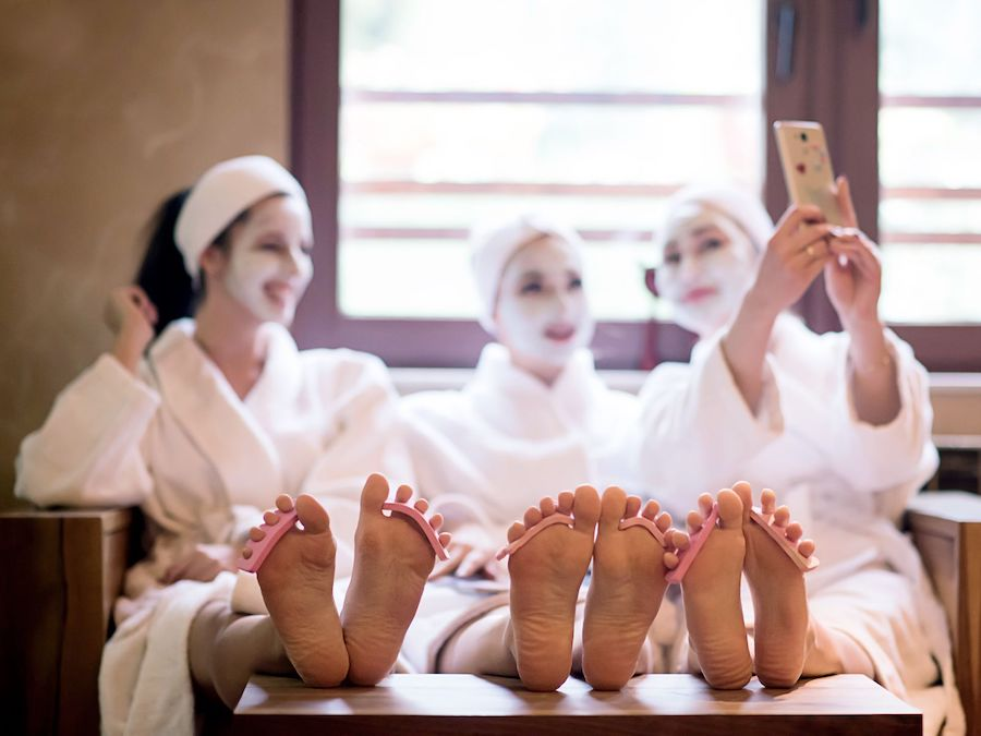 pampering bangkok girls