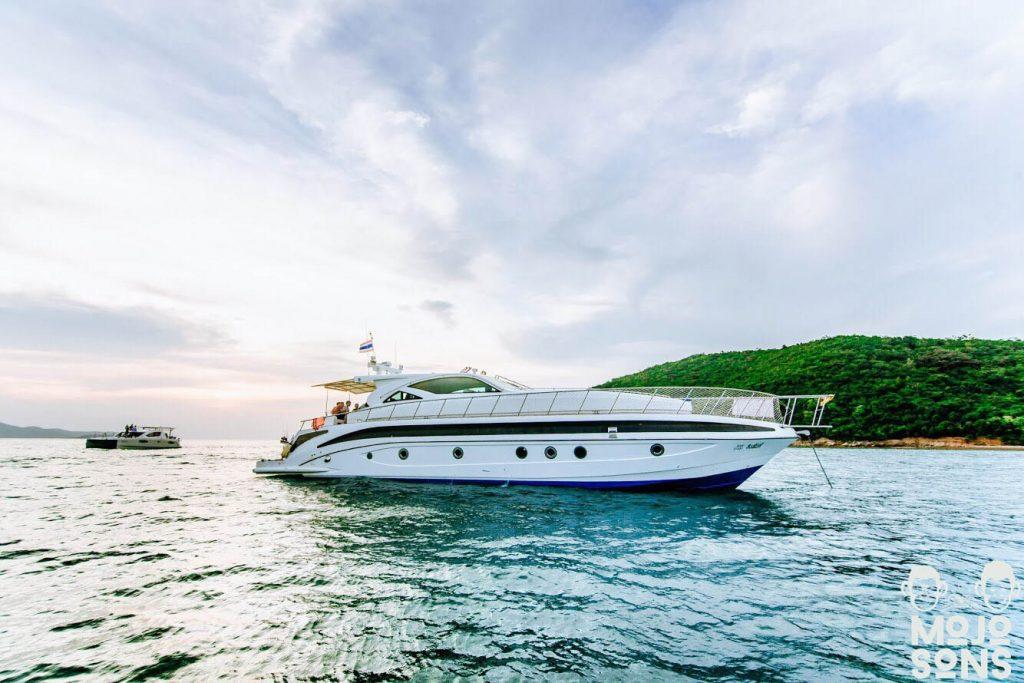 infinity motor yacht pattaya