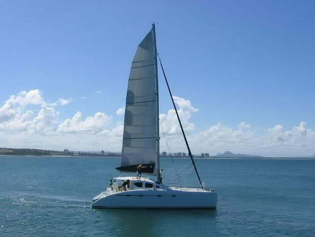 sailing catamaran pattaya